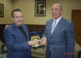 محافظ البحر الأحمر يبحث مع نائب رئيس وزراء صربيا زيادة أعداد السائحين