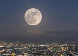 بالفيديو| لحظة اصطدام نيزك عملاق بالقمر
