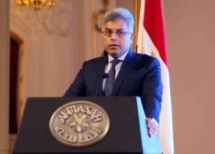 """بالفيديو  القرموطي يقف احتراما للواء محمد عرفان: """"كل التحية والتقدير"""""""