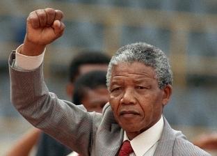 تزوج 3 مرات ودعم مرضى الأيدز.. نيلسون مانديلا بعيدا عن الحياة السياسية