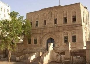 الحوثيون يسرقون تراث عاصمة اليمن القديمة.. والإيسيسكو تدين