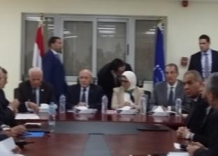 بحث سير العمل بمنظومة التأمين الصحي في اجتماع وزاري ببورسعيد