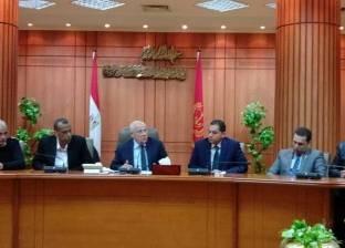 محافظ بورسعيد يتابع الخطة الاستثمارية واستكمال المشروعات