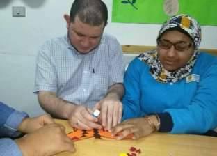 المشغولات اليدوية حرفة «بسنت» وأمها: «نفسى تدخل مدرسة»