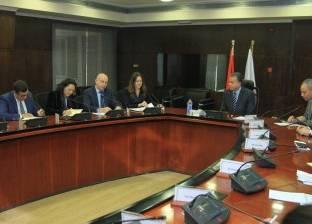 وزير النقل يعقد اجتماعا موسعا مع وفود من المؤسسات الدولية والبنوك