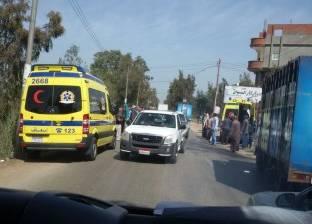 إصابة 10 أشخاص إثر انقلاب سيارة ميكروباص في أسيوط
