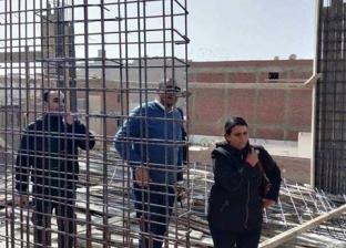 وقف بناء برج مخالف وتحرير 15 محضر نظافة وإشغال بالمنيا