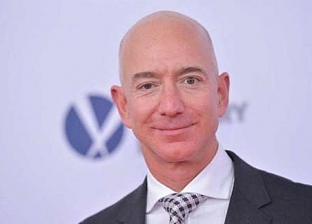 بحلول 2026.. جيف بيزوس يصبح أول تريليونير في العالم
