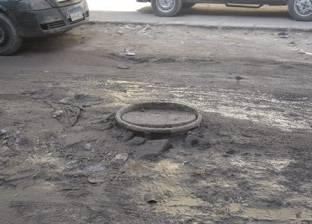 رئيس حي العجوزة يوجه بإصلاح خط الصرف الصحي في أرض اللواء