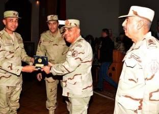 المتحدث العسكري ينشر فيديو تفقد وزير الدفاع لأنشطة قوات المظلات