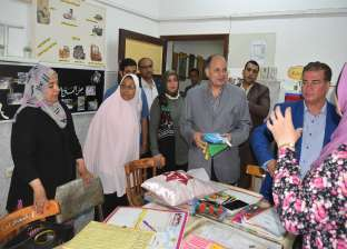 محافظ الفيوم يسلّم 500 زي مدرسي للأطفال الأيتام
