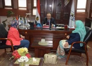 محافظ بني سويف يبحث توعية المواطنين بالمشاركة الإيجابية في التنمية