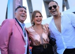 """بنطلون وجاكيت وفستان.. 3 مشاهير يتألقون بـ""""الكشمير"""" في مهرجان الجونة (صور)"""