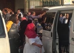 أشرف زكي وسميحة أيوب يشاركان في صلاة الجنازة على أحمد عبدالوارث