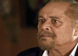 """""""صباحك بيضحك"""".. محمود عبد العزيز يصفع كل من يقابله على وجهه"""