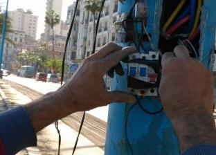 """""""جمرك الإسكندرية"""" يجري أعمال صيانة بأعمدة الإنارة"""