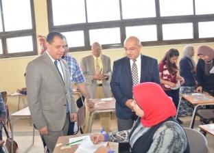 رئيس جامعة أسيوط يتابع امتحانات كليتي الخدمة الاجتماعية والطب