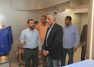 رئيس اتحاد الكرة السابق يزور مستشفى شفاء الأورمان لعلاج الأورام