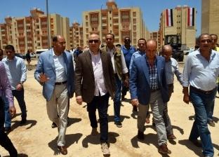 وزير الإسكان يتفقد مشروع الإسكان الاجتماعي بمدينة جمصة
