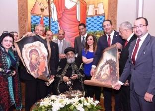 الأقباط يحتفلون بـ«عيد القيامة».. والمسلمون يحتشدون فى الكنائس لتهنئة شركاء الوطن.. وتشديدات أمنية فى المحافظات