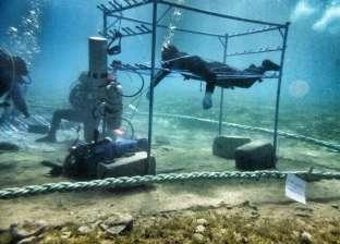 استعدادات الغطاس صدام كيلاني لدخول «جينيس».. «يأكل تحت الماء»