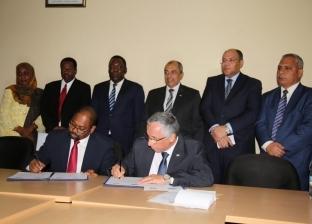 وزير الزراعة يلتقي نظيره التنزاني والزنزباري لبحث التعاون المشترك