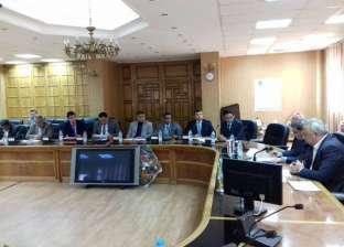 محافظ الشرقية يجتمع بلجنة متابعة المشروعات القومية برئاسة الوزراء
