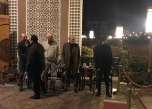 هبة مجدي وأبطال مسرح مصر يقدمون واجب العزاء في والدة مصطفى خاطر
