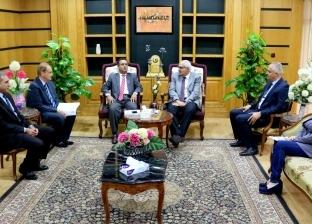 رئيس جامعة المنصورة يستقبل نائب الملحق الثقافي الليبي