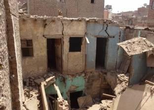 الحماية المدينة تواصل رفع الأنقاض في عقار منشأة ناصر المنهار