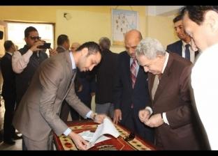 رئيس محكمة النقض يدلي بصوته في استفتاء التعديلات الدستورية بالأزبكية