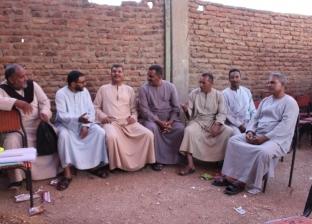 متطوعون بعد الخمسين يخدمون أهالى البر الغربى: الشباب شباب القلب