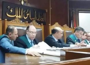 رئيس حي الدقي يصل محكمة زينهم لمحاكمته بتهمة الرشوة
