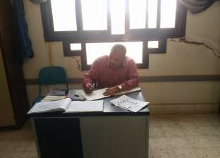 """وكيل """"تعليم مطروح"""" يحيل مدير مدرسة النصر و6 ملاحظين للتحقيق لإهمالهم"""