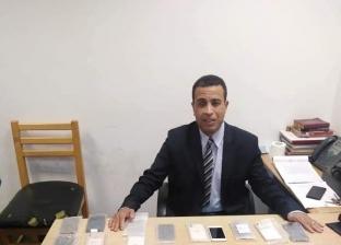 ضبط محاولة تهريب 28 هاتف آيفون بمطار برج العرب