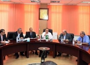 """محافظ الشرقية يلتقي """"النواب"""" لمتابعة المشروعات وحل مشاكل المواطنين"""