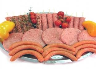 """احذر.. """"اللحوم المصنعة"""" تزيد من خطر الإصابة بسرطان الثدي"""