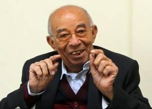 """جثمان حسين عبد الرازق يصل إلى """"عمر مكرم"""" لصلاة الجنازة عليه"""
