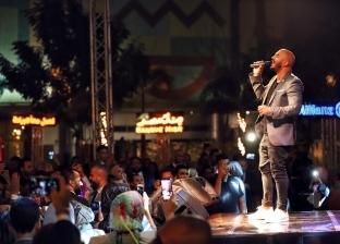 بالصور| محمود العسيلي يحيي حفلا غنائيا