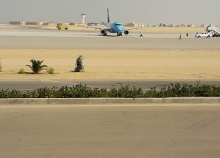 """هبوط أول طائرة مصرية بمطار """"سفنكس"""" الدولي بقيادة الطيار أحمد عادل"""
