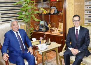 محافظ أسوان يلتقي السفير السويسري لدعم المشروعات التنموية والخدمية