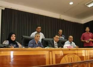 بالصور| السكرتير العام المساعد لكفر الشيخ يناقش مشاكل الأهالي