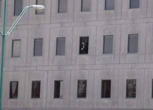 الصورة الأولى لمنفذ الهجوم المسلح على البرلمان الإيراني