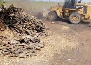 إزالة 6 مكامير فحم مخالفة للاشتراطات البيئية في البحيرة