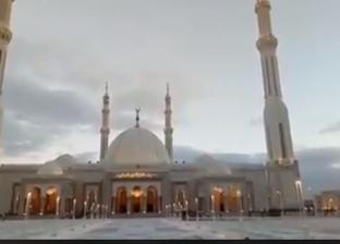 """في """"يوم الأرض"""".. إطفاء أنوار كنيسة ومسجد """"العاصمة الإدارية"""" لمدة ساعة"""