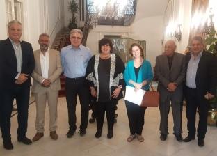 وزيرة الثقافة تلتقي اللجنة العليا لمهرجان الأقصر للسينما الإفريقية