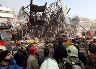 انتشال جثتي اثنين من رجال الإطفاء من بين أنقاض المبنى المنهار في طهران