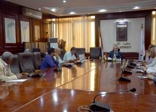 نائب محافظ الأقصر يعقد اجتماعا لمناقشة سبل تحسين الخدمات السياحية