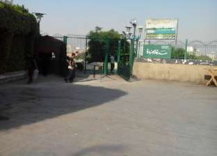 حملة نظافة أمام الحدائق العامة غرب القاهرة