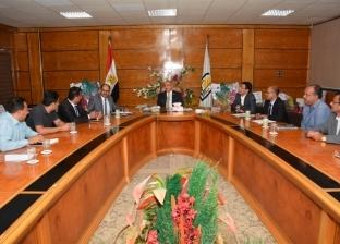 رئيس جامعة أسيوط يلتقي ممثلي طلاب الدراسات العليا الوافدين من اليمن